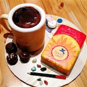 Michelle Eades, who is in one of my Soul Coaching® Oracle Card 'sisters', was having a birthday and her good friend, Michelle Negri (who is an AMAZING Cake Artist) made her a card and a cup of coffee totally out of cake and icing.